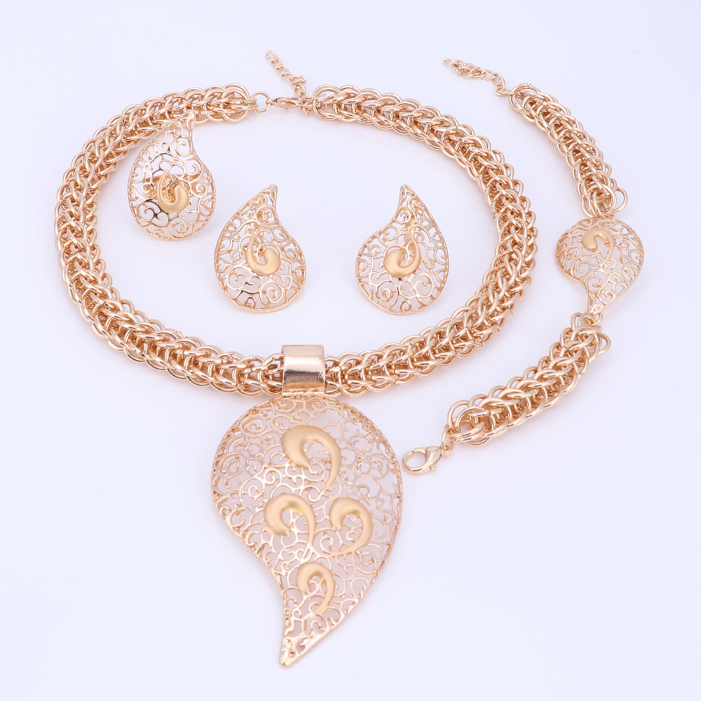 Gold plated jewelry set costume design big pendant necklace set gold plated jewelry set costume design big pendant mozeypictures Gallery