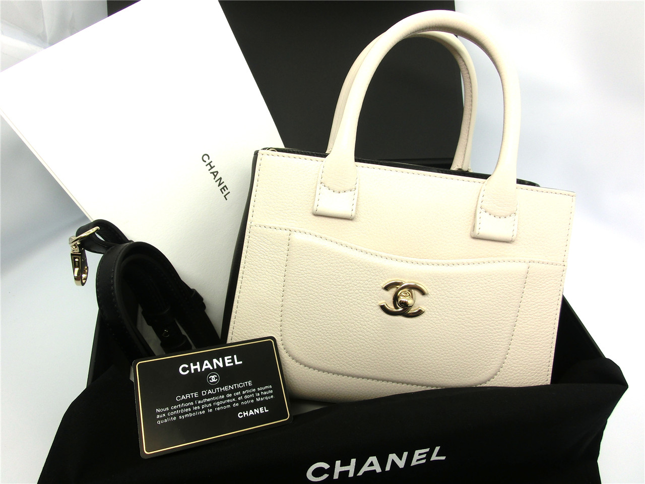 3e0c30bae654 Auth CHANEL Black&Beige Grained Calfskin Leather Neo Executive Mini Shopping  Bag