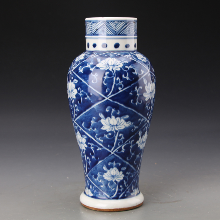 1 pair Chinese jingdezhen Hand Painted Blue and White Porcelain qianlong vase W