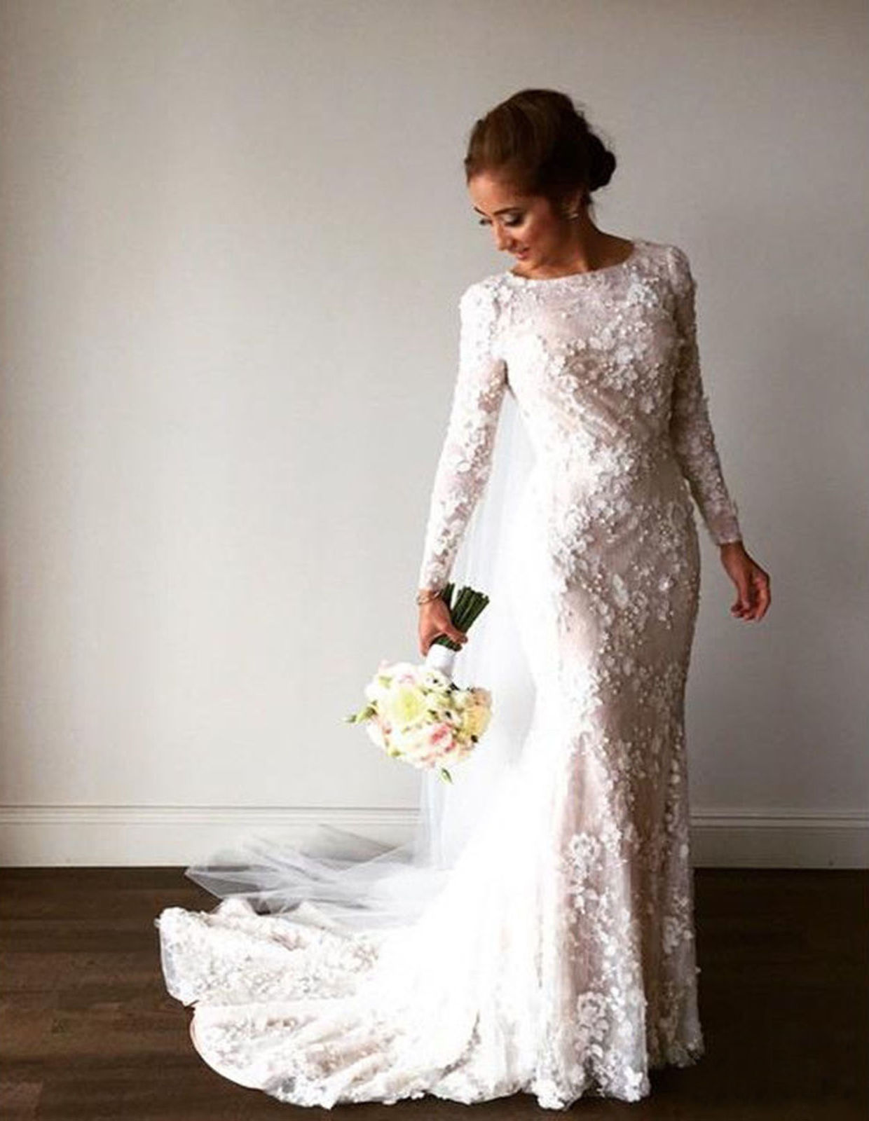 8794ec5a272 Details about Gorgeous Flower Lace Beaded Wedding Dresses Long Sleeve  Mermaid Bridal Gown 2019