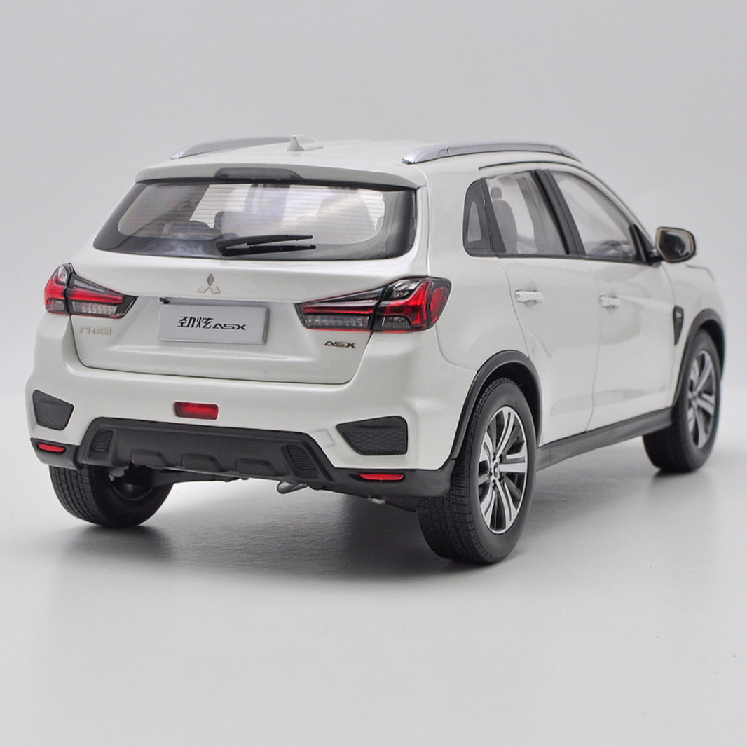 1/18 scale mitsubishi asx suv 2020 white diecast car model