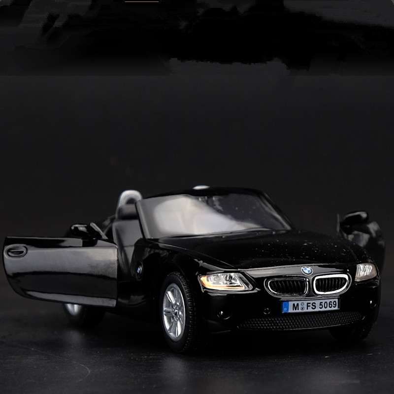Bmw Z4 Convertible Black: BMW Z4 Convertible Version 1:32 Model Cars Toys Collection