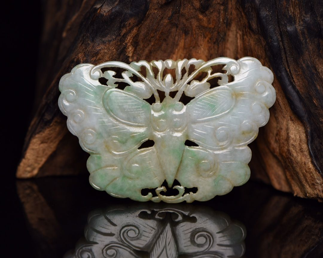 100/% China natural hand-carved white jade butterfly pendant