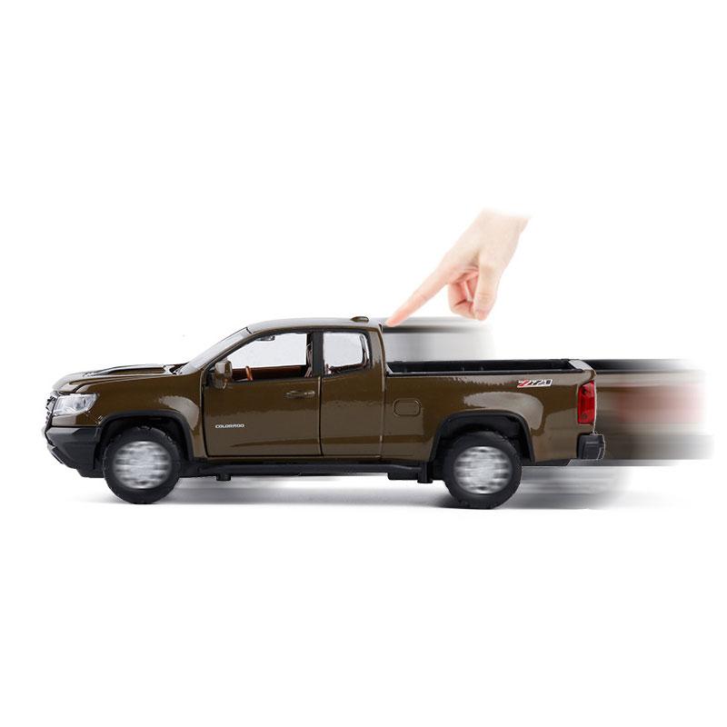Chevrolet Colorado ZR2 Pickup Truck 1:32 Model Car Diecast