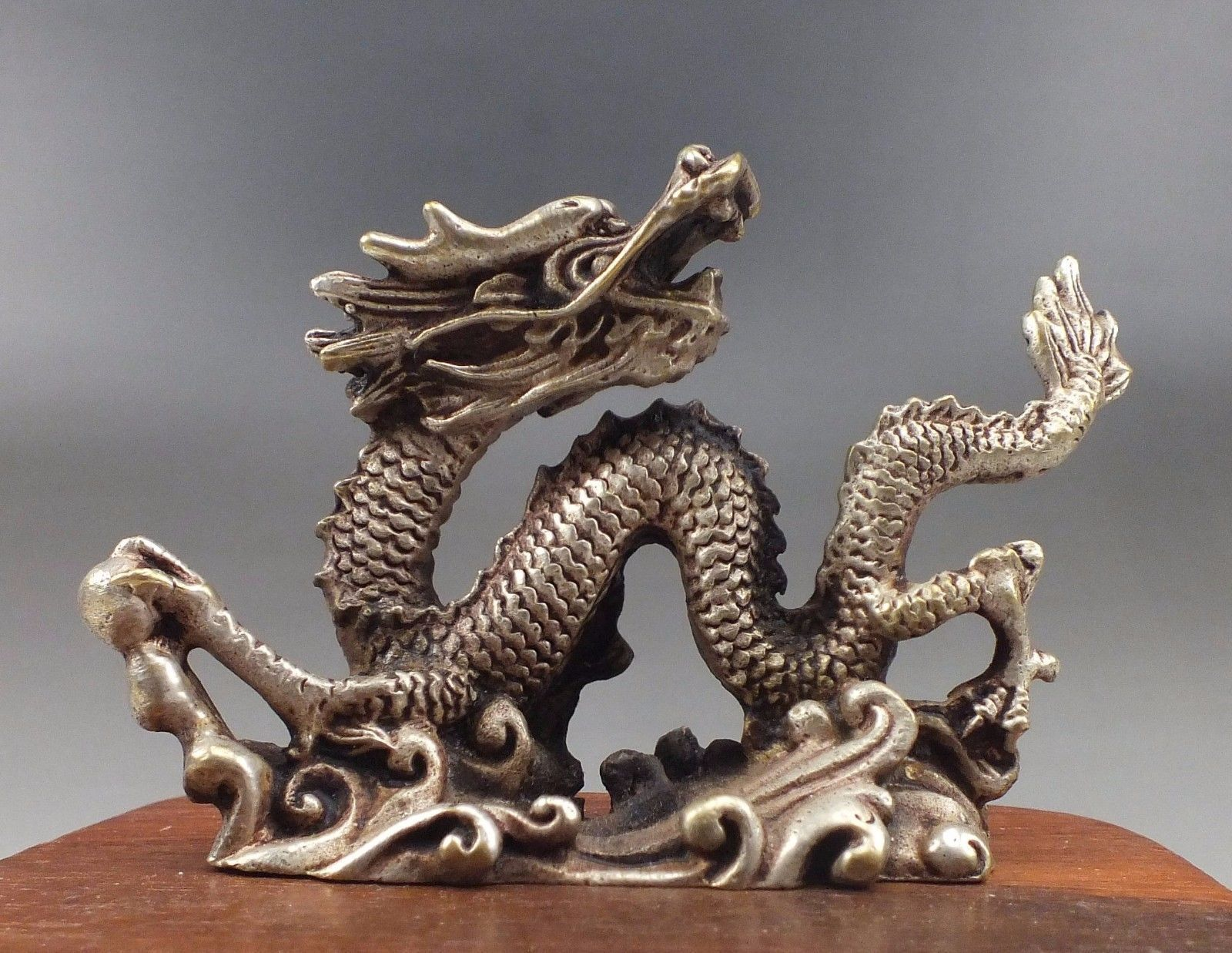Collectible Decorated Old Handwork Copper Carved Lifelike Dragon Statue