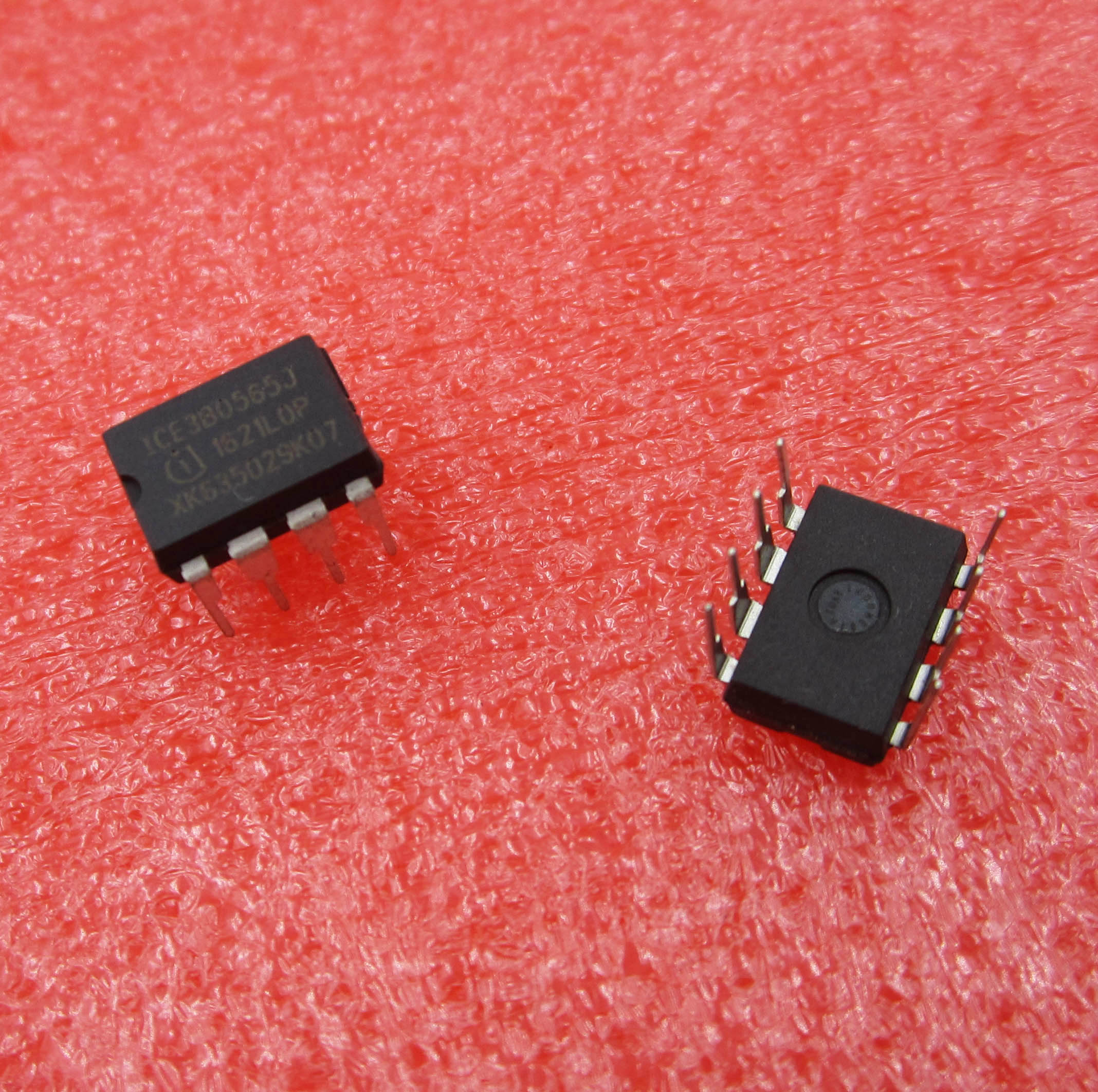5pcs ICE3B0565J ICE3B0565 ORIGINAL INFINEON Integrated Circuit