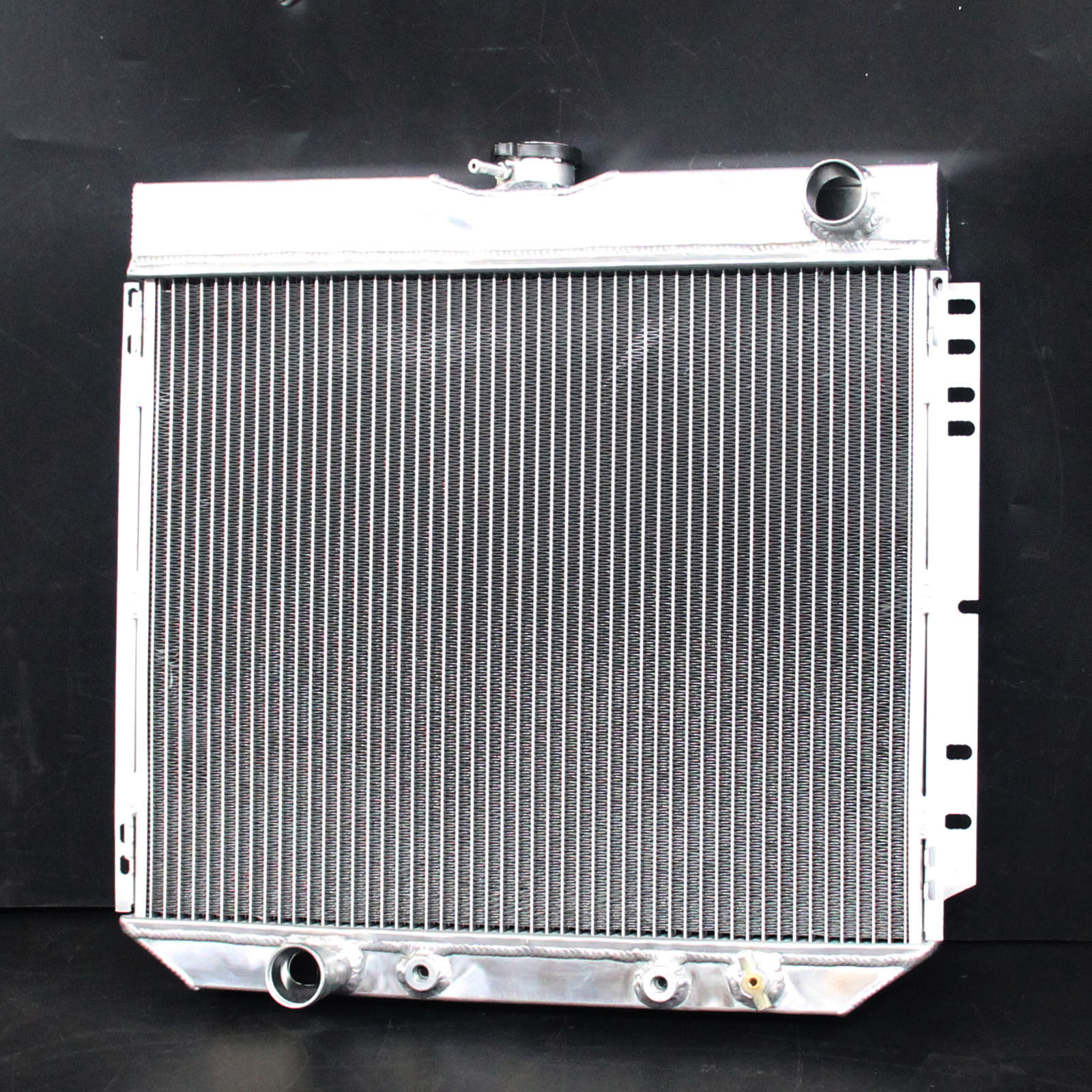 ALL POLISHED ALUMINUM RADIATOR 69 70-77 FORD Mustang cars 4.1L 5.0L